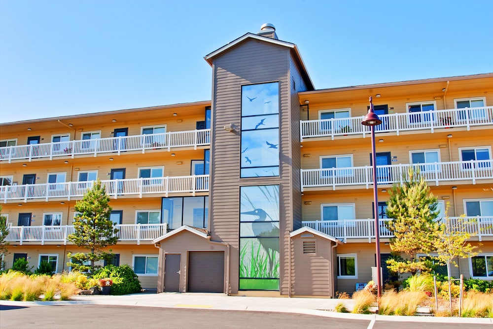 Outlook Condos at Oyhut Bay Resort in Ocean Shores | Hotel ...