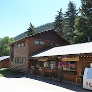 Wolf Creek Ranch Ski Lodge