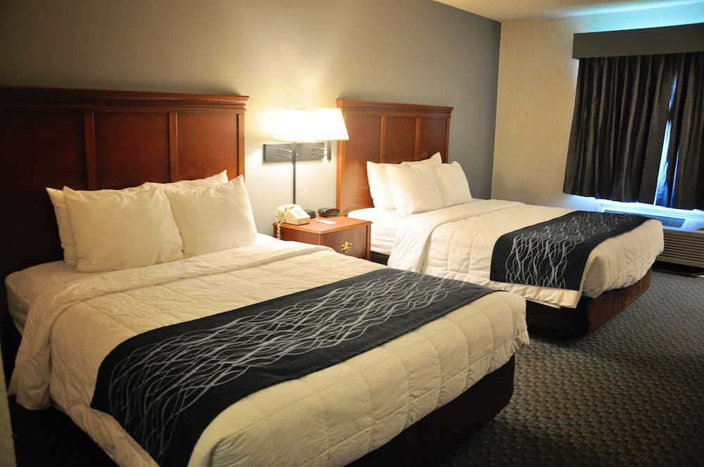 Dunes Express Inn & Suites - Reviews, Photos & Rates ...