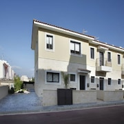 Valentina Townhouse
