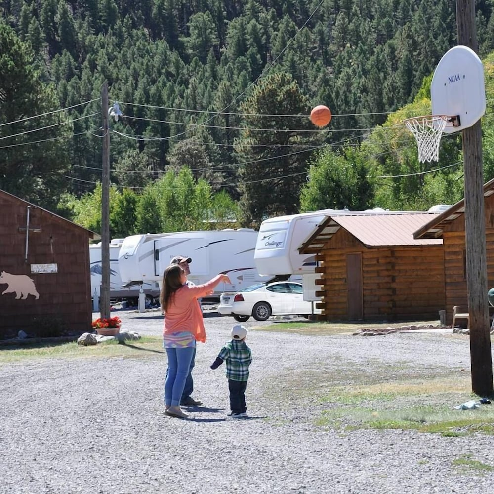 Basketball Court, Chinook Cabins & RV Park