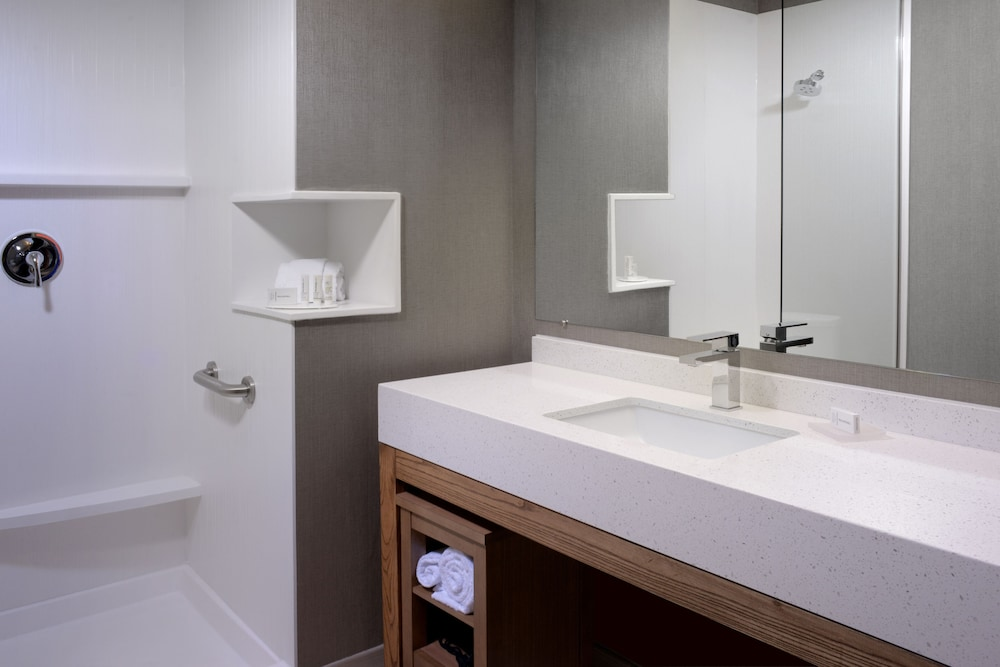 Bathroom, Courtyard by Marriott Denver Southwest/Littleton