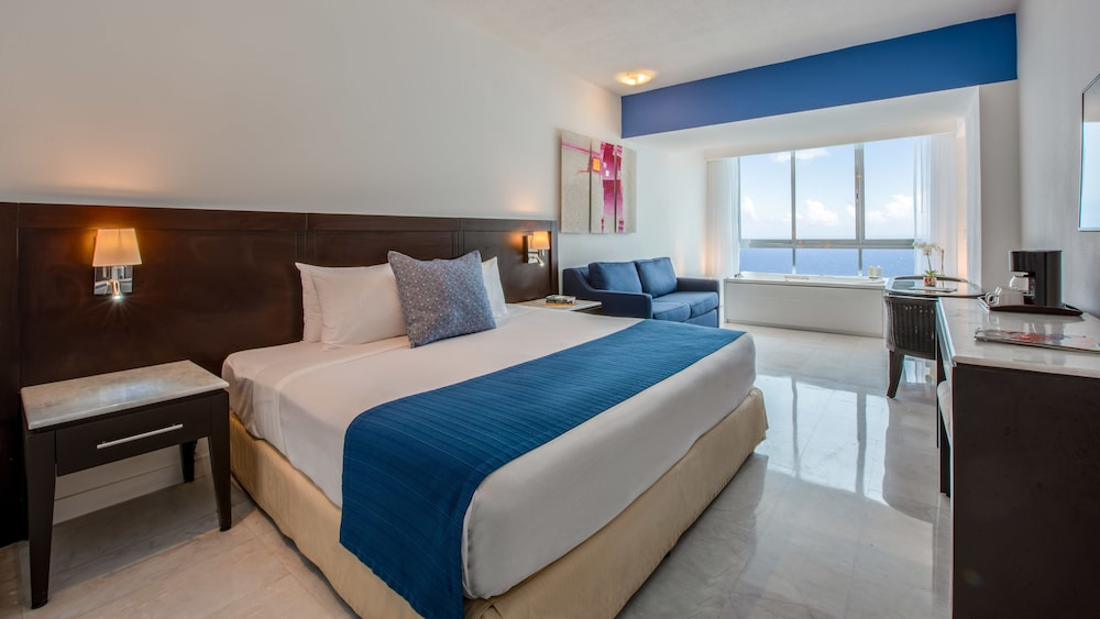 Room, Park Royal Beach Mazatlán