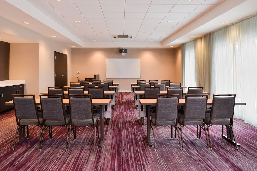 Hotels With Meeting Rooms Toledo