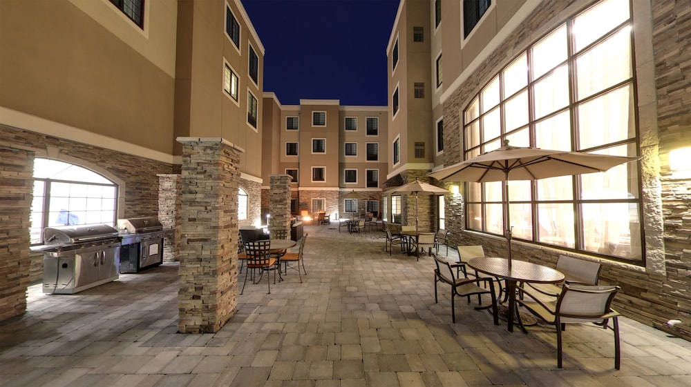 Property Grounds, Staybridge Suites Ann Arbor- Univ of Michigan