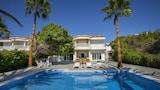 Sunset Beachfront Villa Meneou - Larnaca Hotels
