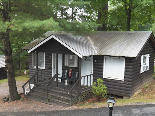 Best Cabins in Lake George for 2019: Find Cheap $56 Cabins