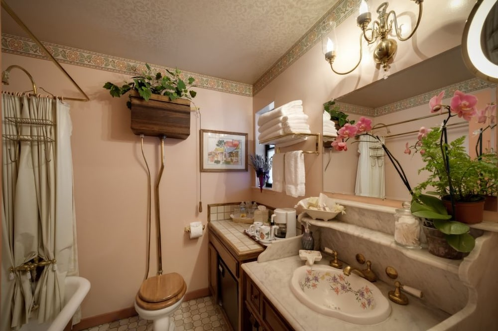 Bathroom, Mill Rose Inn