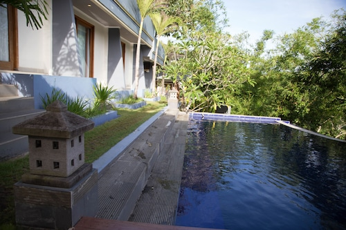 ZEN Rooms Pecatu Padang Padang Beach