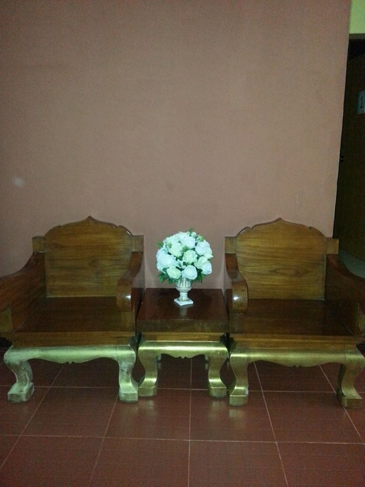 Lobby Sitting Area, Banphung Hernkarn Resort