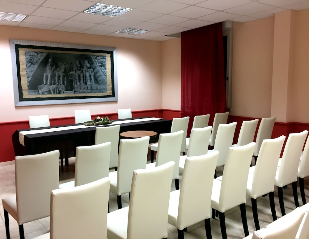 Meeting Facility, Hotel Balai