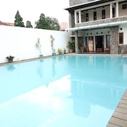 ZEN Rooms Grand Hotel Lembang