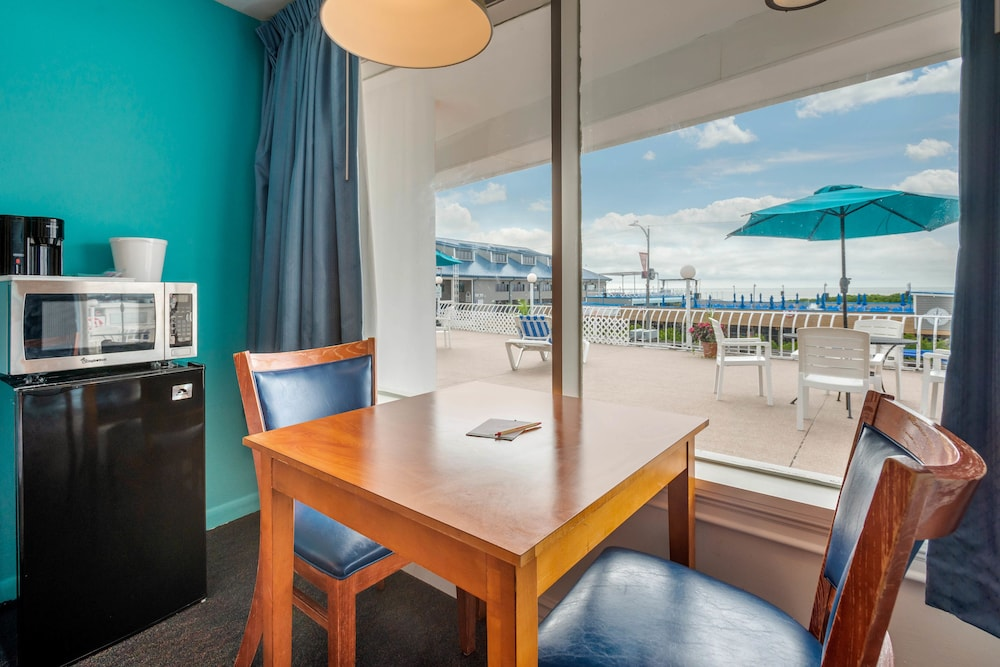 In-Room Dining, Quality Inn Boardwalk Wildwood Oceanfront