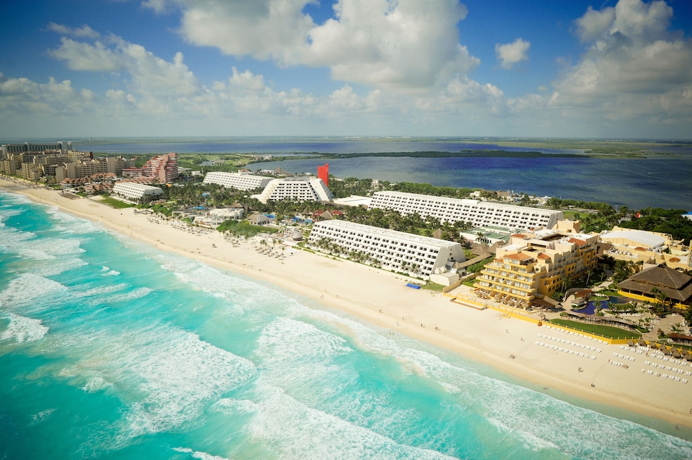 Oasis Cancun Lite All Inclusive In Hotel Rates Reviews On Orbitz