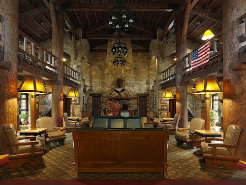 Giant City Lodge