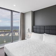 Meriton Suites Southport, Gold Coast