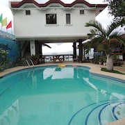 Love's Beach and Dive Resort