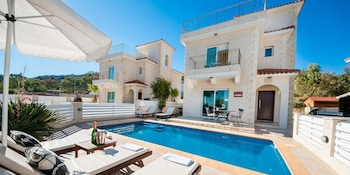 Oceanview Luxury Villa 045