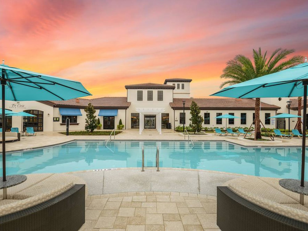 Windsor at westside by casiola kissimmee usa expedia for Ipg pool show