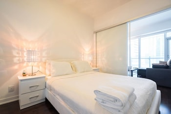 New One Bedroom Condo Downtown-CN TOWER