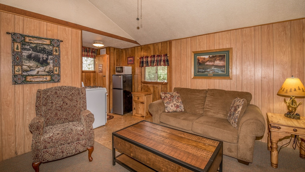 Book Canyon Cabins | Ruidoso Hotel Deals