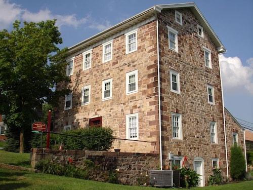 Great Place to stay Historic Schoeneck Hotel B&B LLC near Stevens