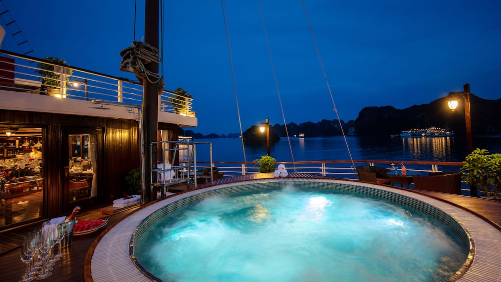 Outdoor Pool, Orchid Halong Cruise