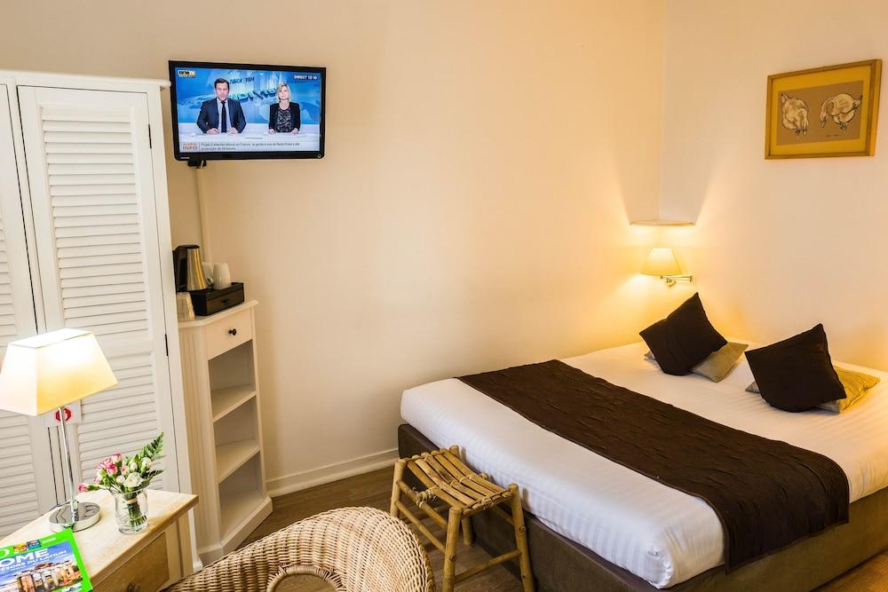 Hotel maison des peyrat in dordogne hotel rates reviews on orbitz - Amenager chambre 8m2 ...