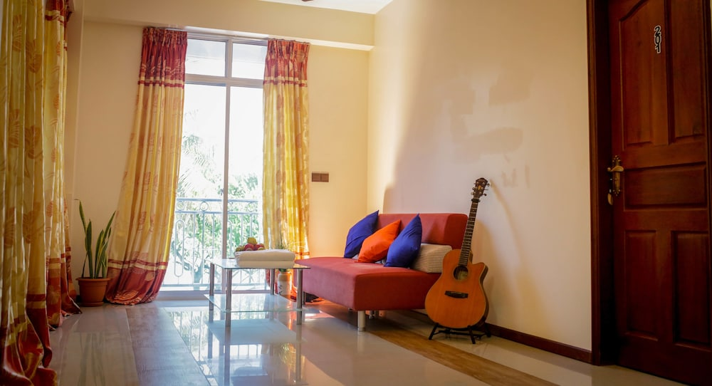 Piculet royal beach hulhumale mdv expedia for The family room hulhumale