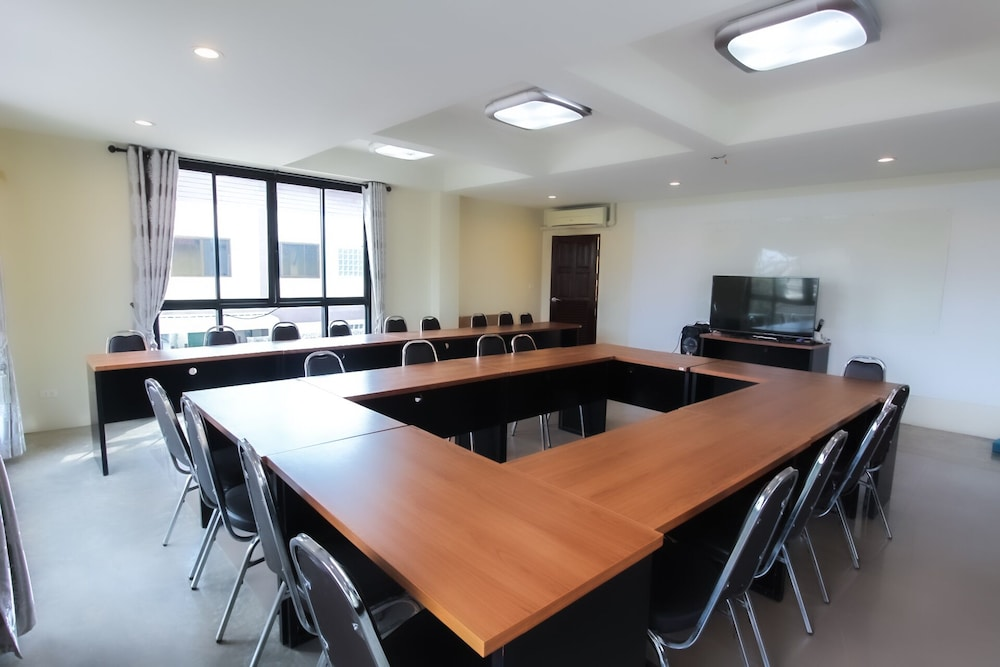 Meeting Facility, Baan Pordeedin