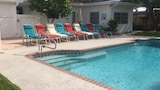 Salty Bungalow Bayview Rentals - Fort Lauderdale Hotels