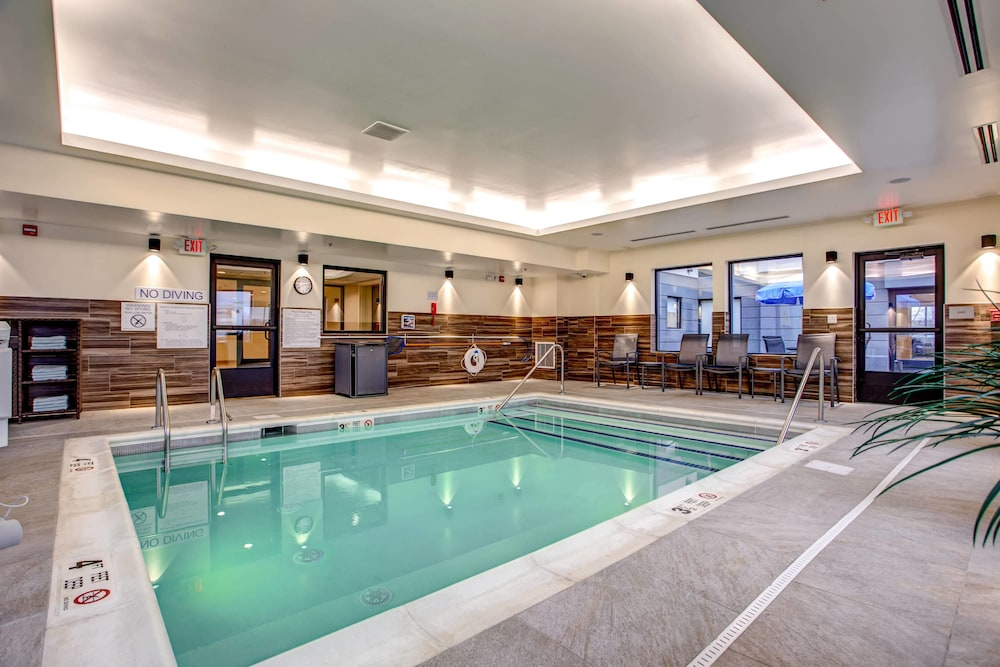 Sports Facility, Fairfield Inn & Suites Springfield Holyoke