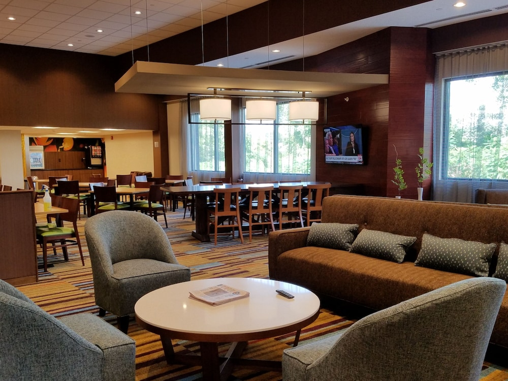 Lobby Lounge, Fairfield Inn & Suites Springfield Holyoke