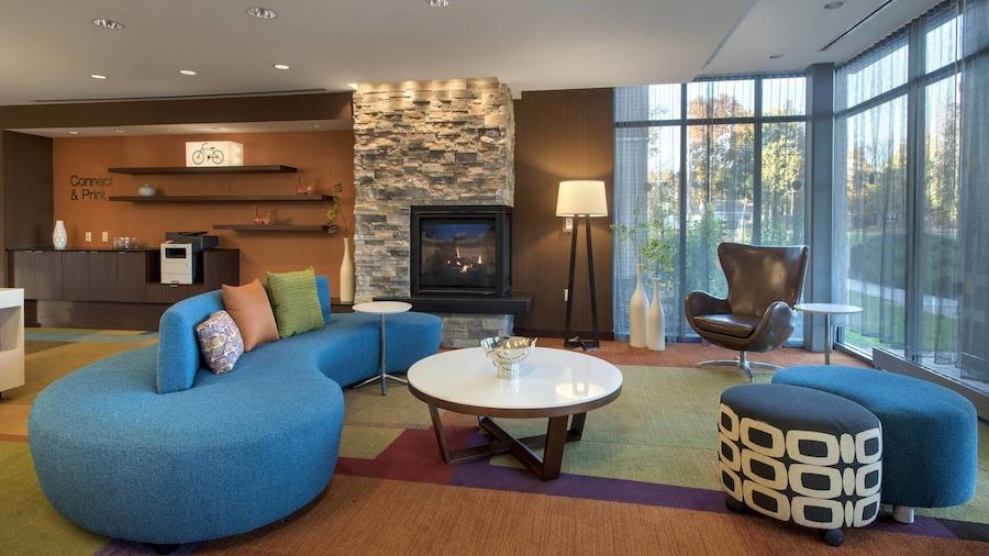 Fairfield Inn and Suites by Marriott Syracuse Carrier Circle