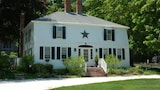 The 1720 House - Vineyard Haven Hotels