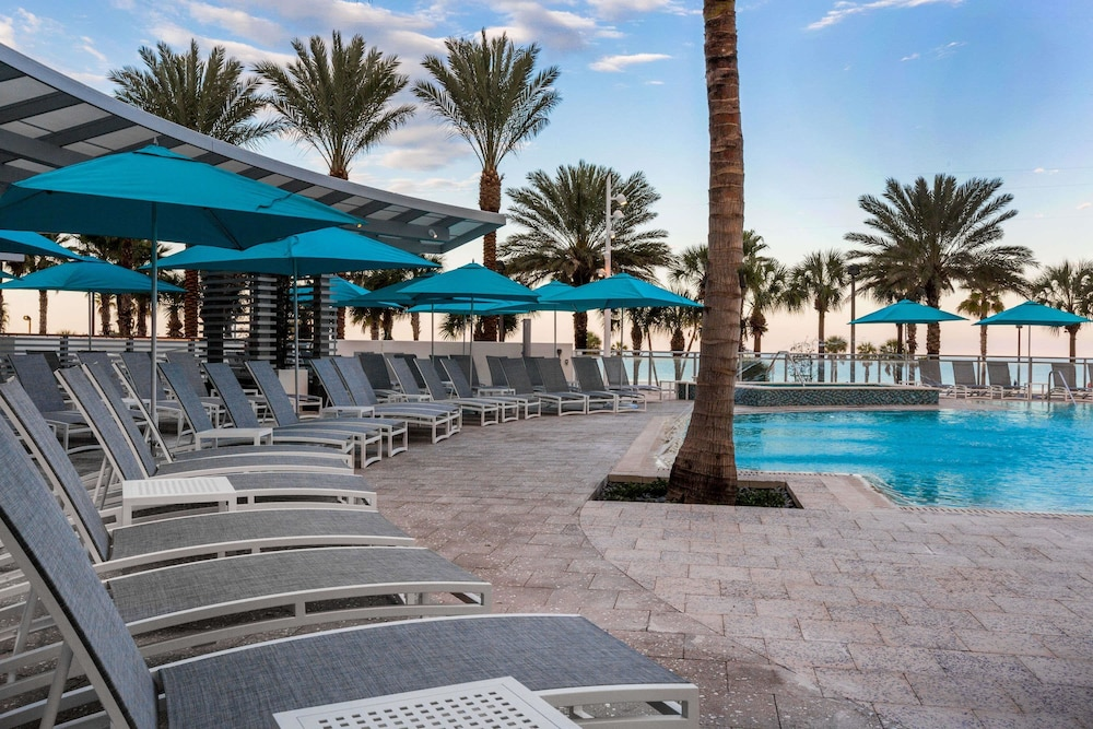 Pool, Wyndham Grand Clearwater Beach