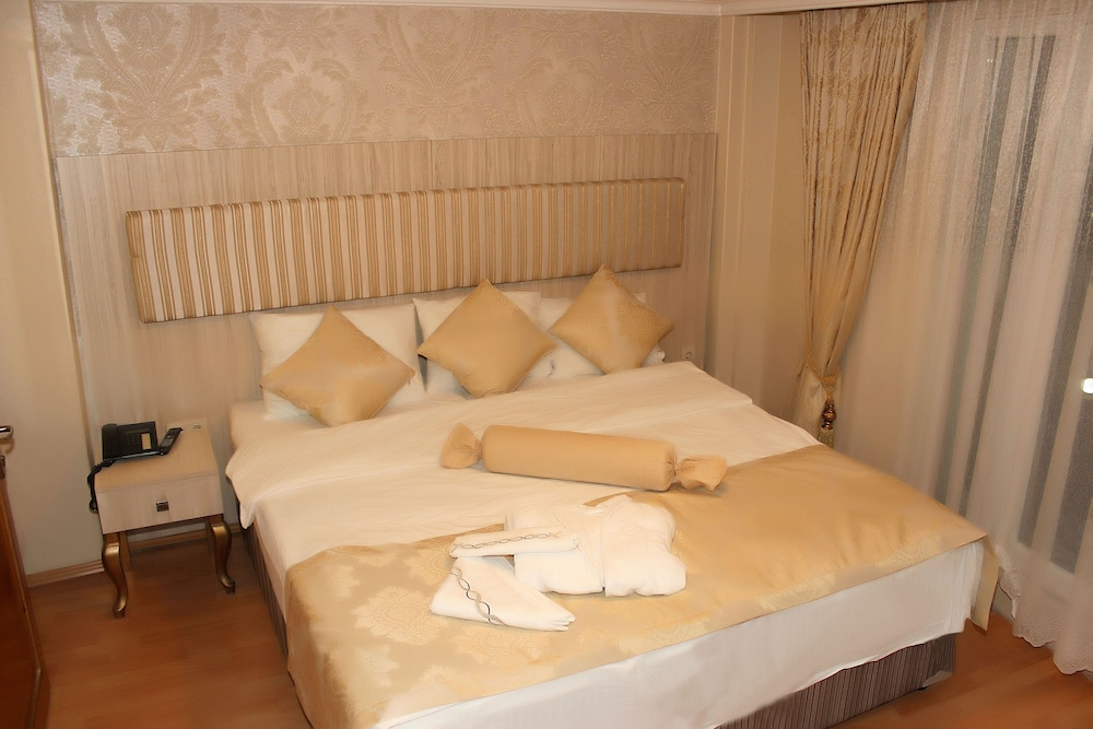Book blue moon apart hotel istanbul hotel deals for Appart hotel istanbul
