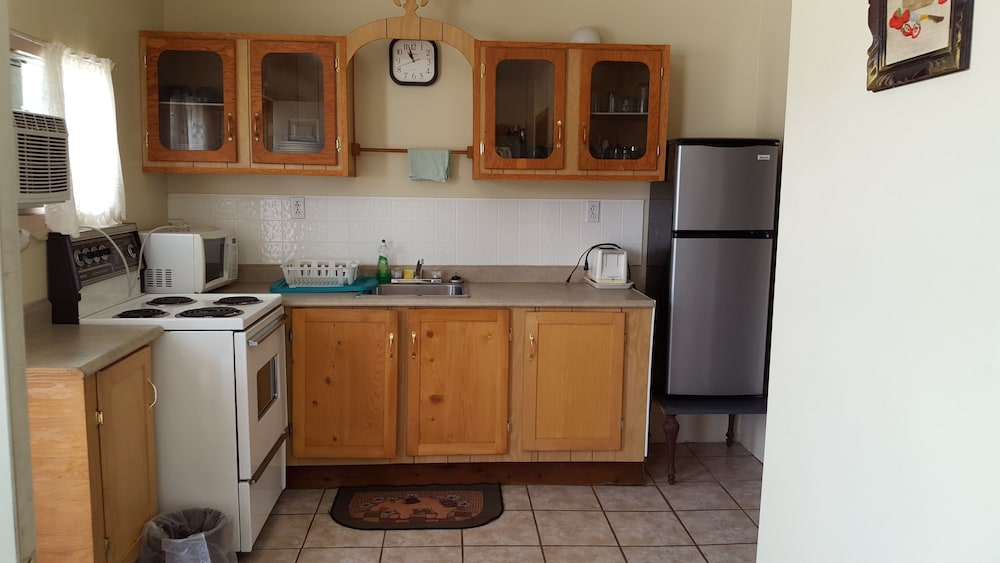 Private Kitchen, Stardust Motel