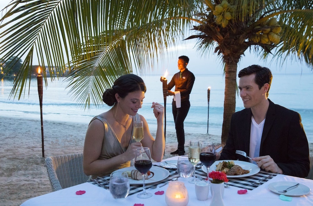 Dining, Royalton Negril Resort & Spa - All Inclusive