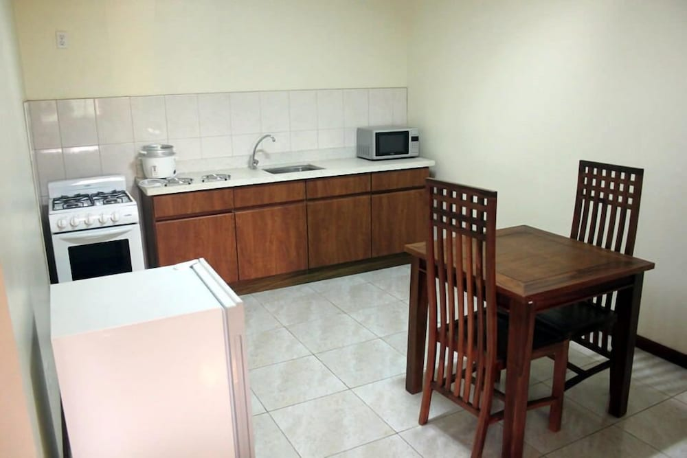 Private Kitchenette, Arcton Apartments