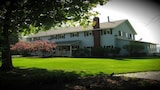 Churchill Pointe Inn - Hubbard Lake Hotels