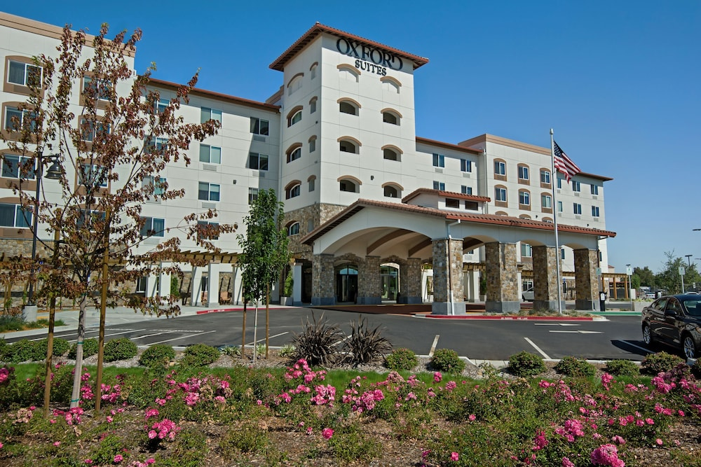 Featured Image, Oxford Suites Sonoma County