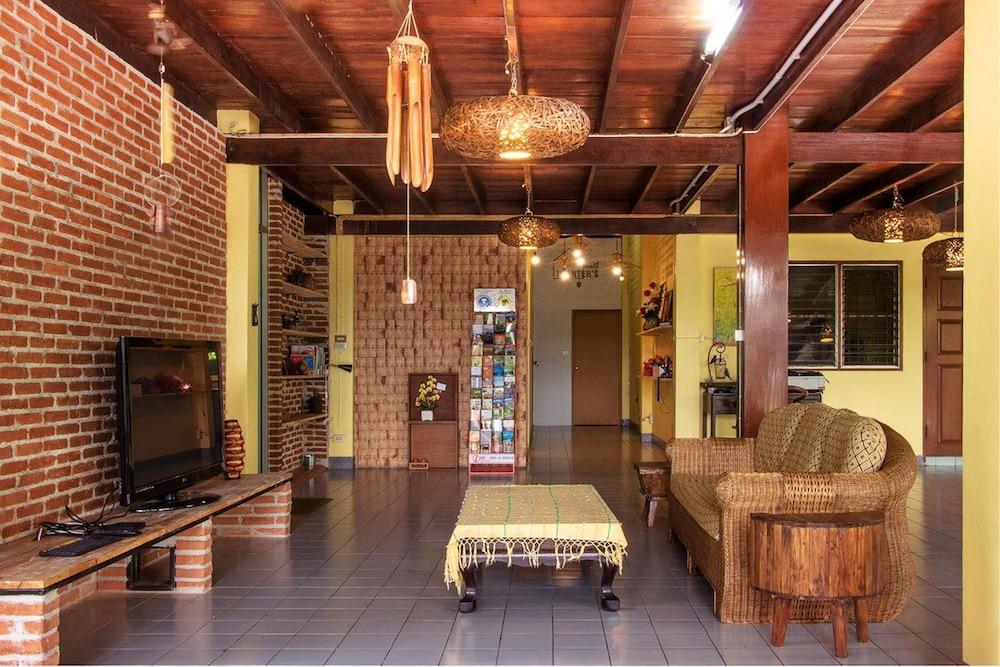 Book Planter 39 S Hostel Chiang Mai Hotel Deals