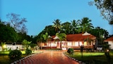 Baywatch Beach Resort - Alappuzha Hotels