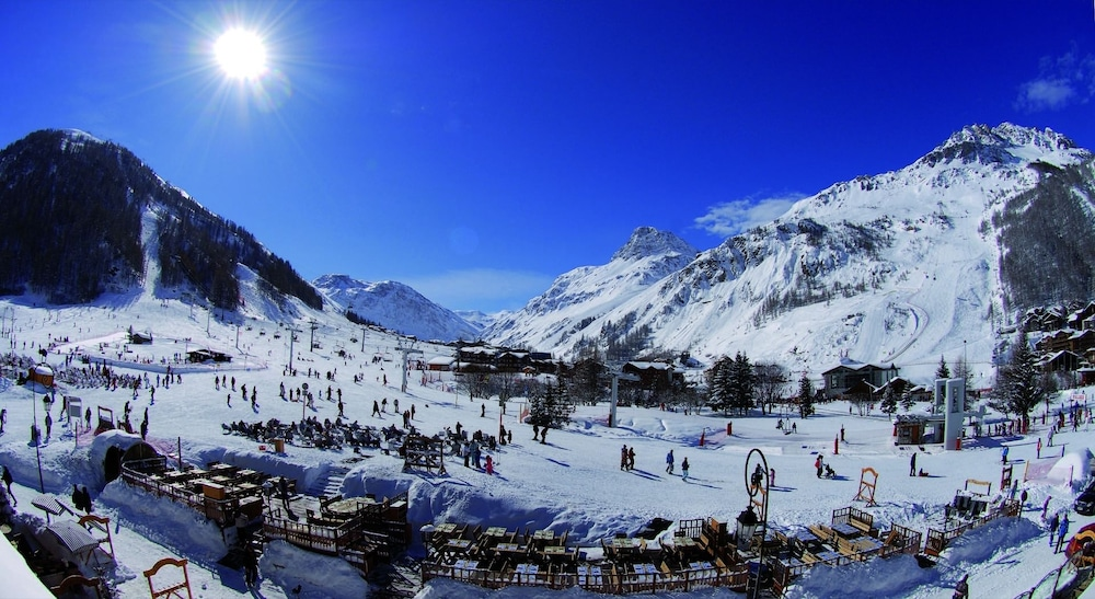 Le yule hotel spa deals reviews val d 39 isere fra wotif - Le yule val d isere ...