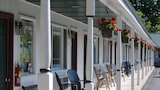Rock Ledge Motel - Alexandria Bay Hotels