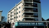 Rondebosch Court - Cape Town Hotels