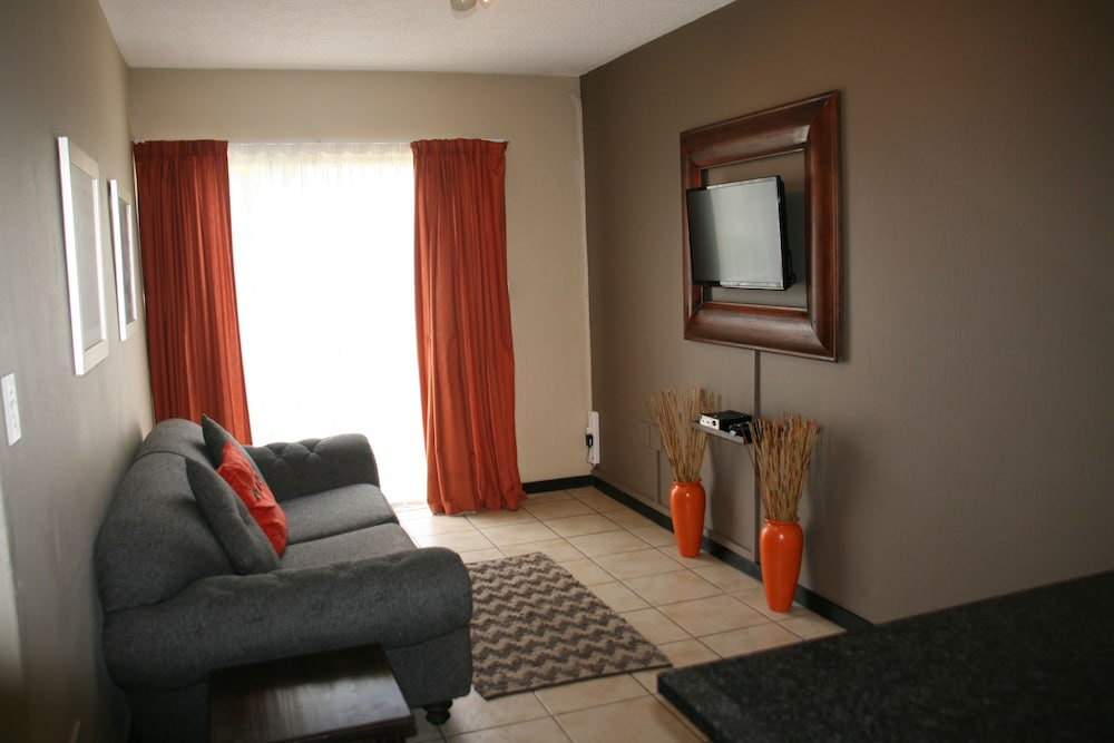 Jozi apartments radiokop in johannesburg hotel rates for Living room jozi