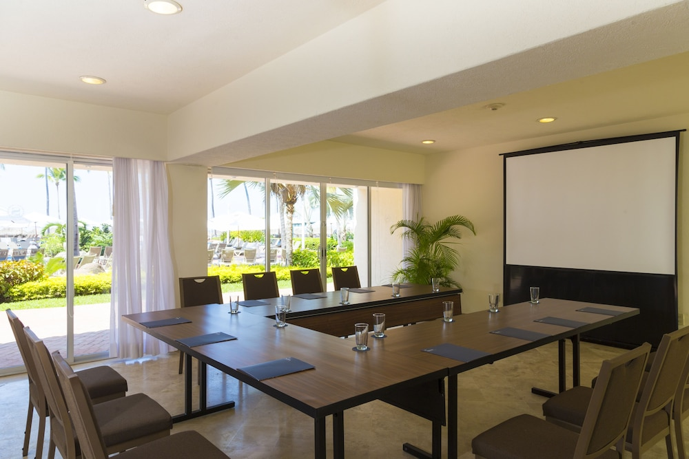 Meeting Facility, The Club at Sheraton Buganvilias Adults Only