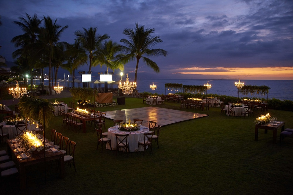 Outdoor Wedding Area, The Club at Sheraton Buganvilias Adults Only